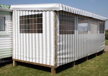 la terrasse mobil home mixte pvc bois une exclusivit ateria. Black Bedroom Furniture Sets. Home Design Ideas